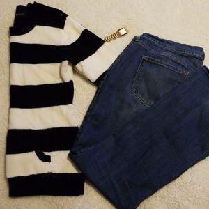 L black & white sweater